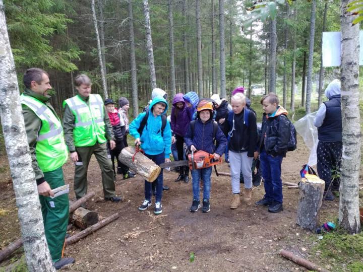 """Mācību stunda """"Meža ekspedīcija"""" 6.klases skolēniem"""