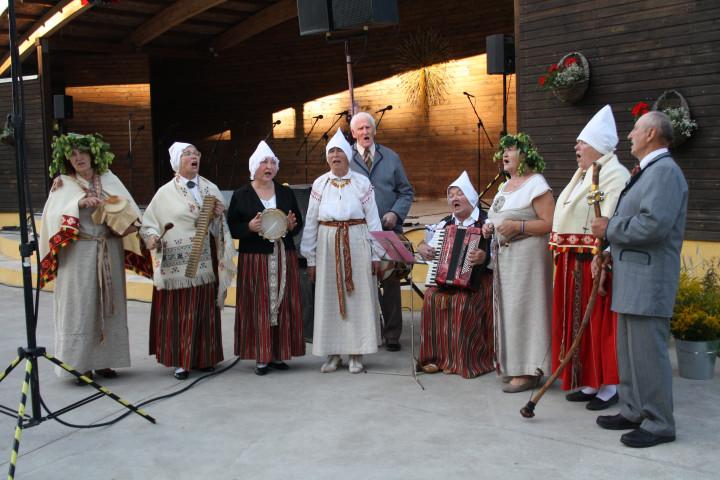 """Aknīstē izskanējis starptautisks folkloras festivāls """"Atklāj Sēlijas mantojumu""""."""